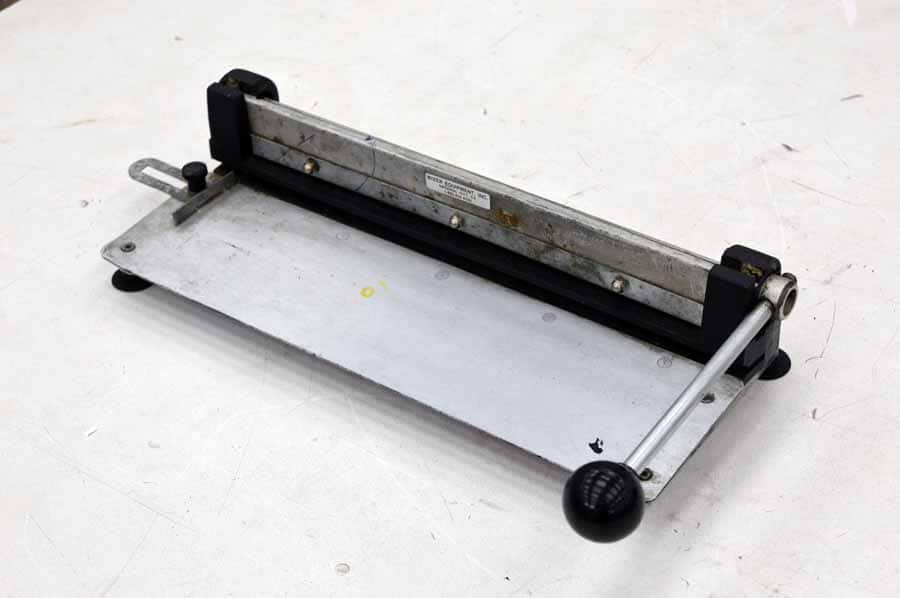 Wizer Table Top Plate Punch