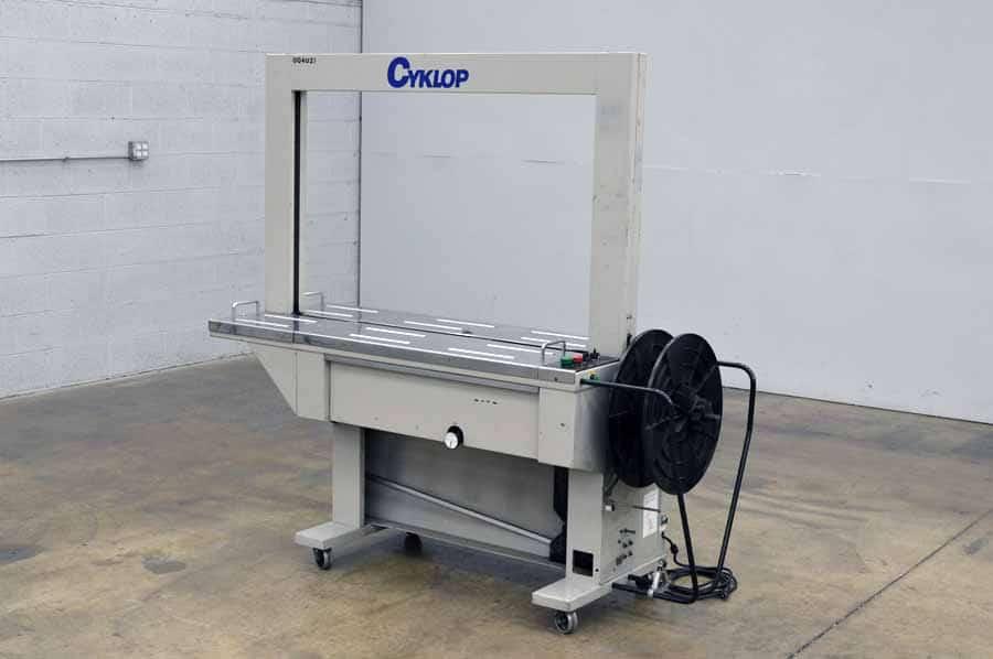 Cyklop Beta-100 Plastic Strapping Machine