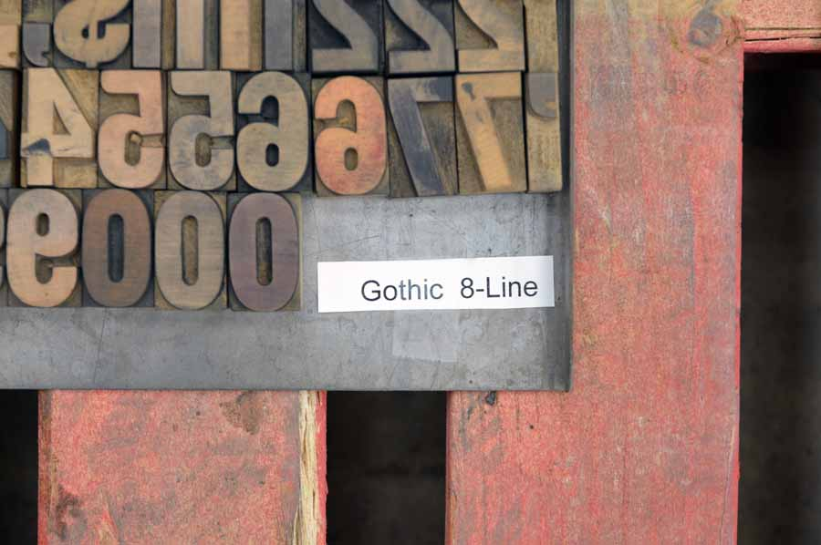 "Gothic - 8 Line - 1.5"""