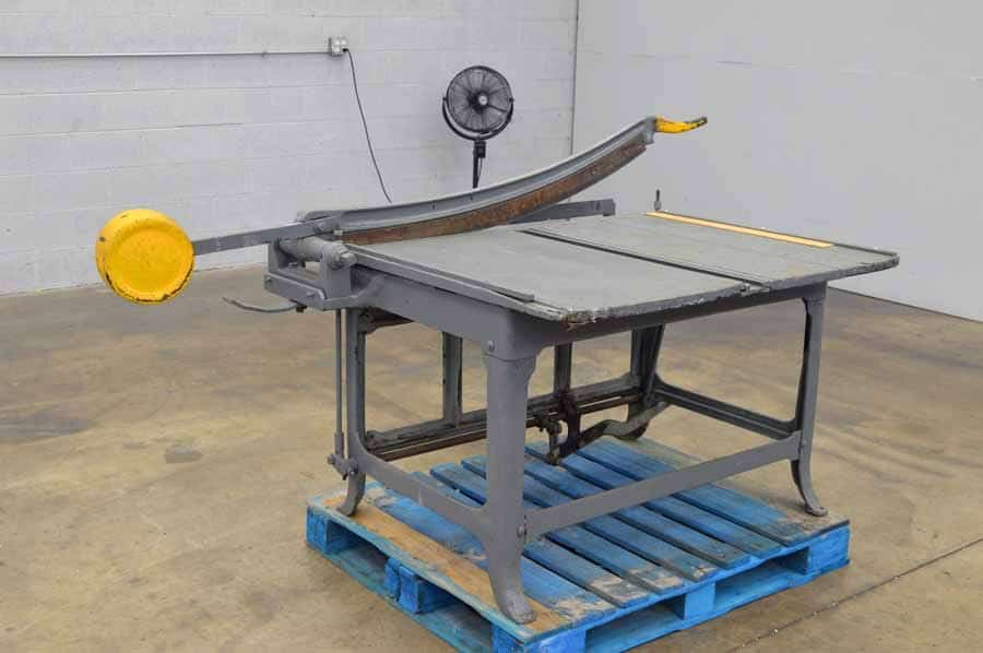 Large Format Counter Weight Paper Cutter with Foot Petal Clamp