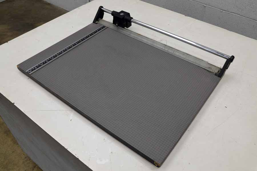 Dahle Table Top Paper Cutter
