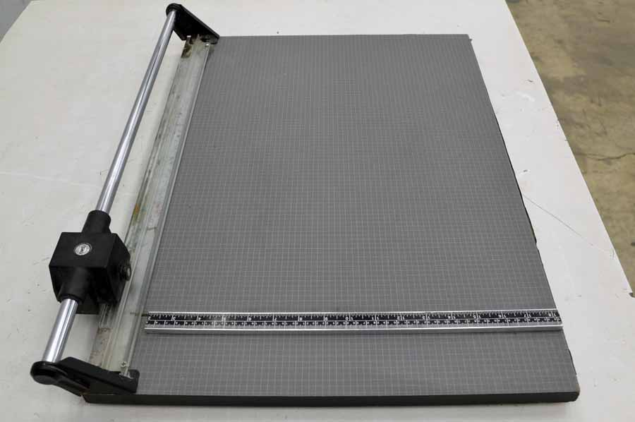 Dahle Table Top Paper Cutter Boggs Equipment