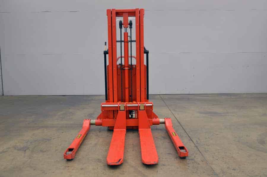 2004 Interthor Trans Stacker Fork Lift