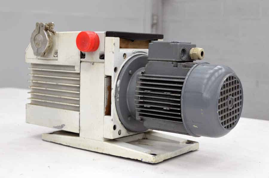 Leybold Trivac D16B Vacuum Pump