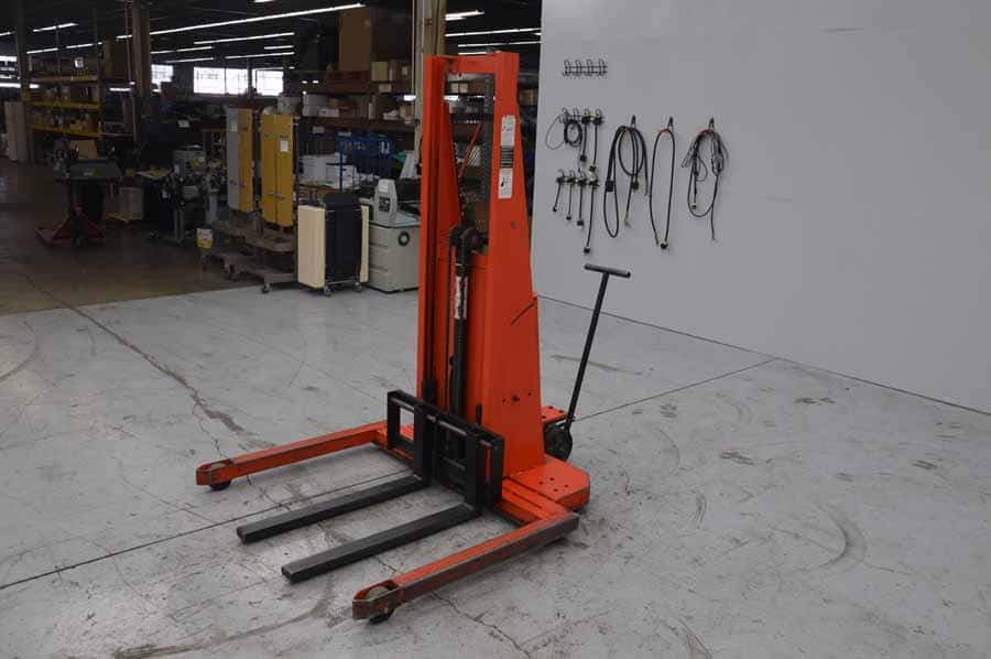 Presto PS262-50 Power Lift Straddle Stacker