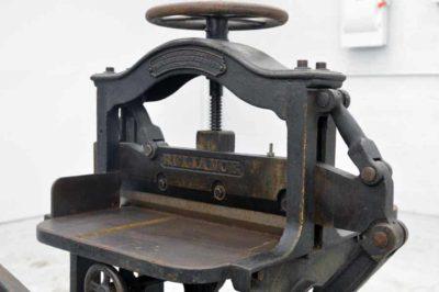 Reliance 16.5 ' Antique Paper Cutter