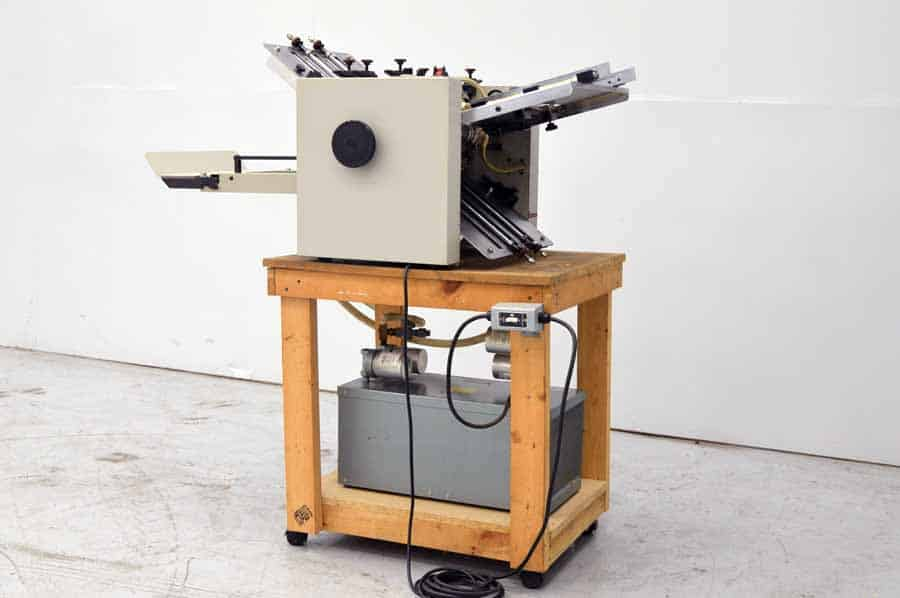 Multigraphics 142A Vacuum Fed 14 x 20 Paper Folder