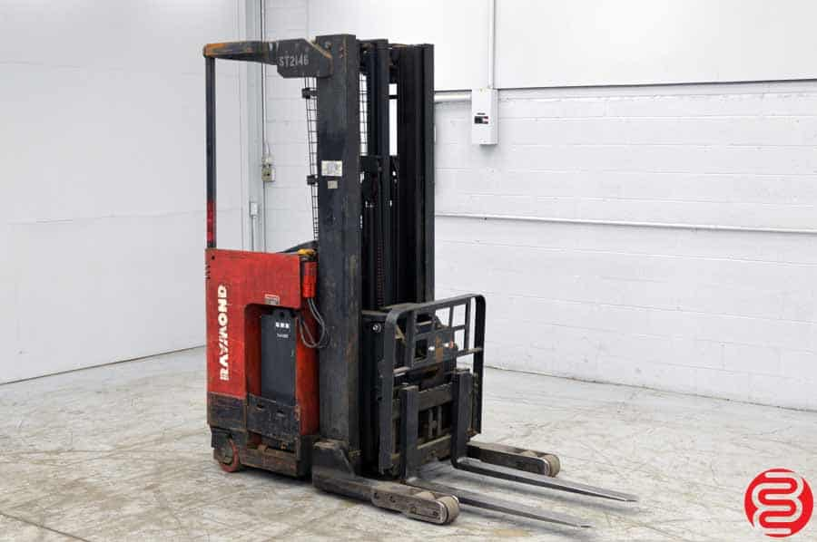 Raymond EASI 4000 lb Reach Fork Truck w/ Charger