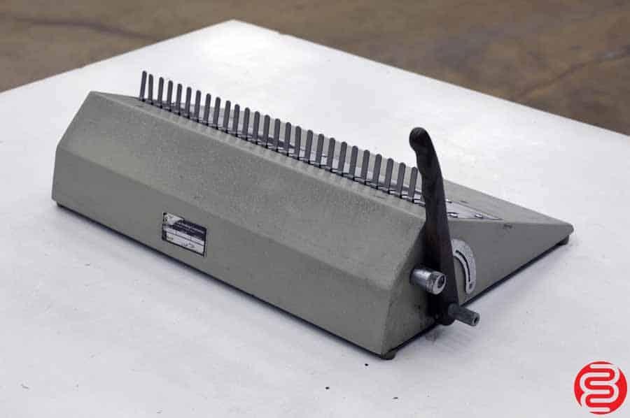 """GBC 16DB 16"""" Manual CombBind Comb Opener"""
