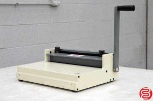 "Rhin-O-Tuff HD8000 14"" Manual Flat Bar Wire Closer"