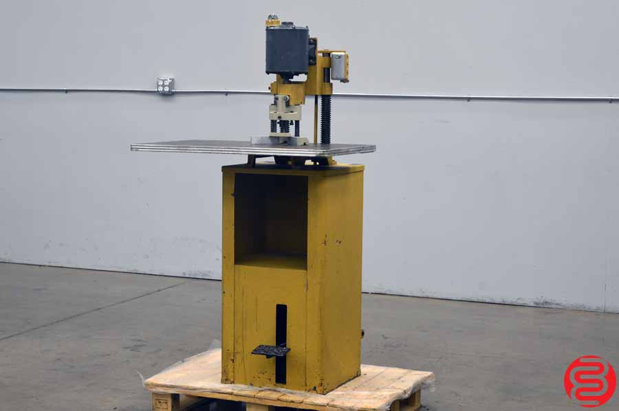 Challenge JF Hydraulic Round Cornering Machine w/ Paper Drill Attachment