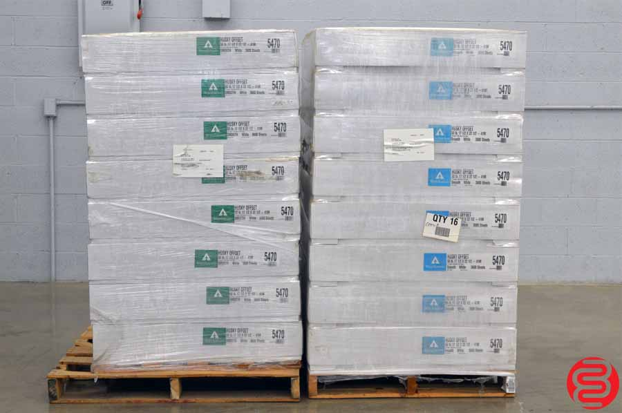 Weyerhaeuser Husky Offset Smooth White 50 lb 17 1/2 x 22 1/2 Paper - Qty 32 Cases