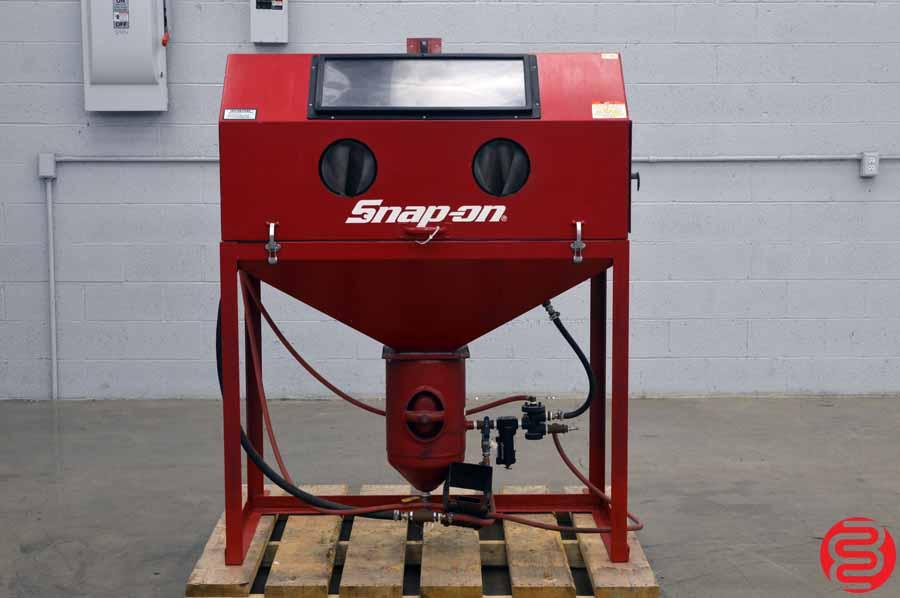 Snap-On Sand Blasting Cabinet