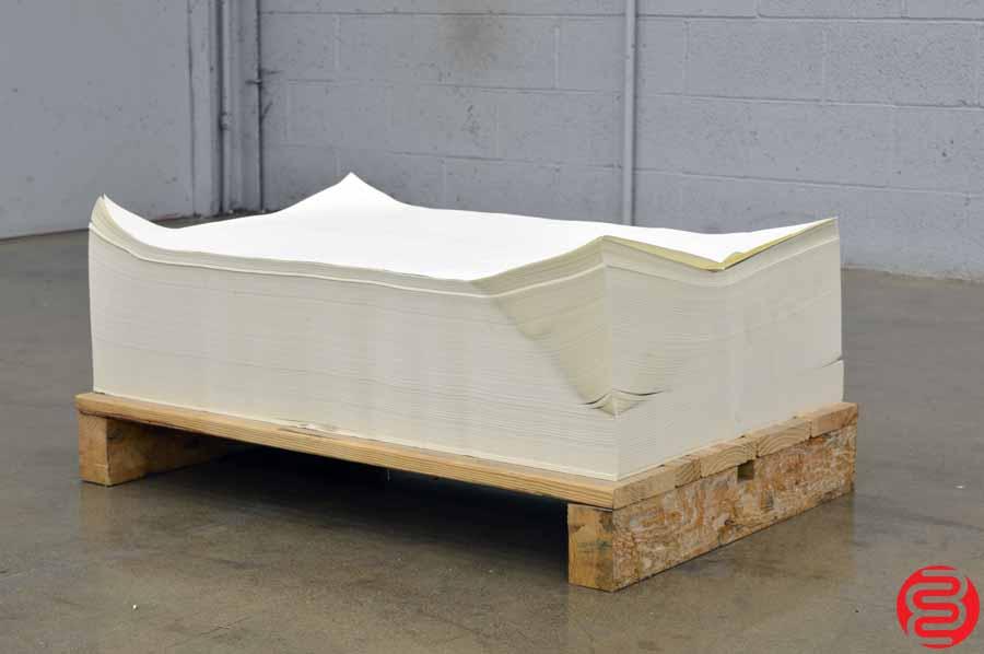 Glastfelter 60# B18 Eggshell 35 x 22.5 Offset Paper