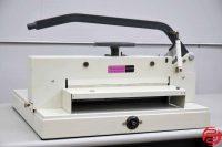 """Triumph Ideal 4700 18"""" Hydraulic Paper Cutter - 030919021228"""