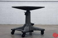 Midwest Tool & Engineering Co. Hydraulic Elevating Table - 041119020218