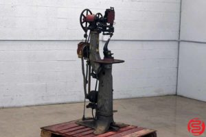 Champion Model 77 Chain Industrial Leather Stitcher - 060319022319