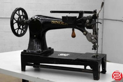 Singer Antique Sewing Machine - 082919085531