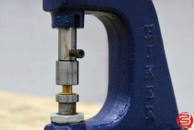 Hiker Manual Eyelet Machine - 102419094547