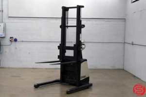 Crown SX3000 Walk Behind Electric Straddle Stacker - 110819014306