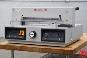 2006 Triumph 430EP Electric Programmable Paper Cutter - 022920122050