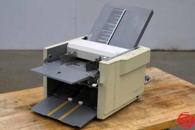 Duplo Folder DF-520 Paper Folder - 041720125220