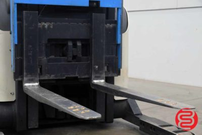 Crown 5200 Series Straddle Stacker - 062320025350