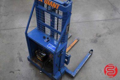 Blue Giant P90-20 Straddle Stacker Forklift - 070120065840