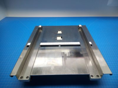 Feeder Table - P02-000138