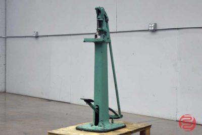 Foot Pedal Corner Rounder w/ Assorted Dies - 100620030400