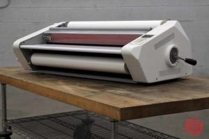 GBC Eagle 65 27in Roll Laminator - 011921024620